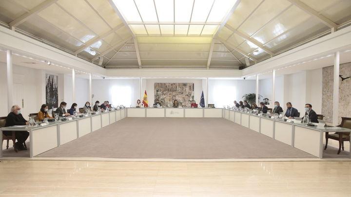 El Gobierno aplaza al viernes la aprobación del plan de 11.000 millones en ayudas