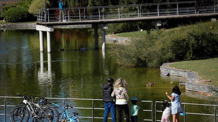 Zonas de Coslada, Alcalá o Fuenlabrada ven crecer las cifras de contagios y podrían entrar en las restricciones