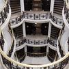 Cinco de las escalinatas de interior más bellas de Madrid