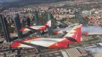 Espectaculares imágenes de los aviones de la Patrulla Águila sobre Madrid