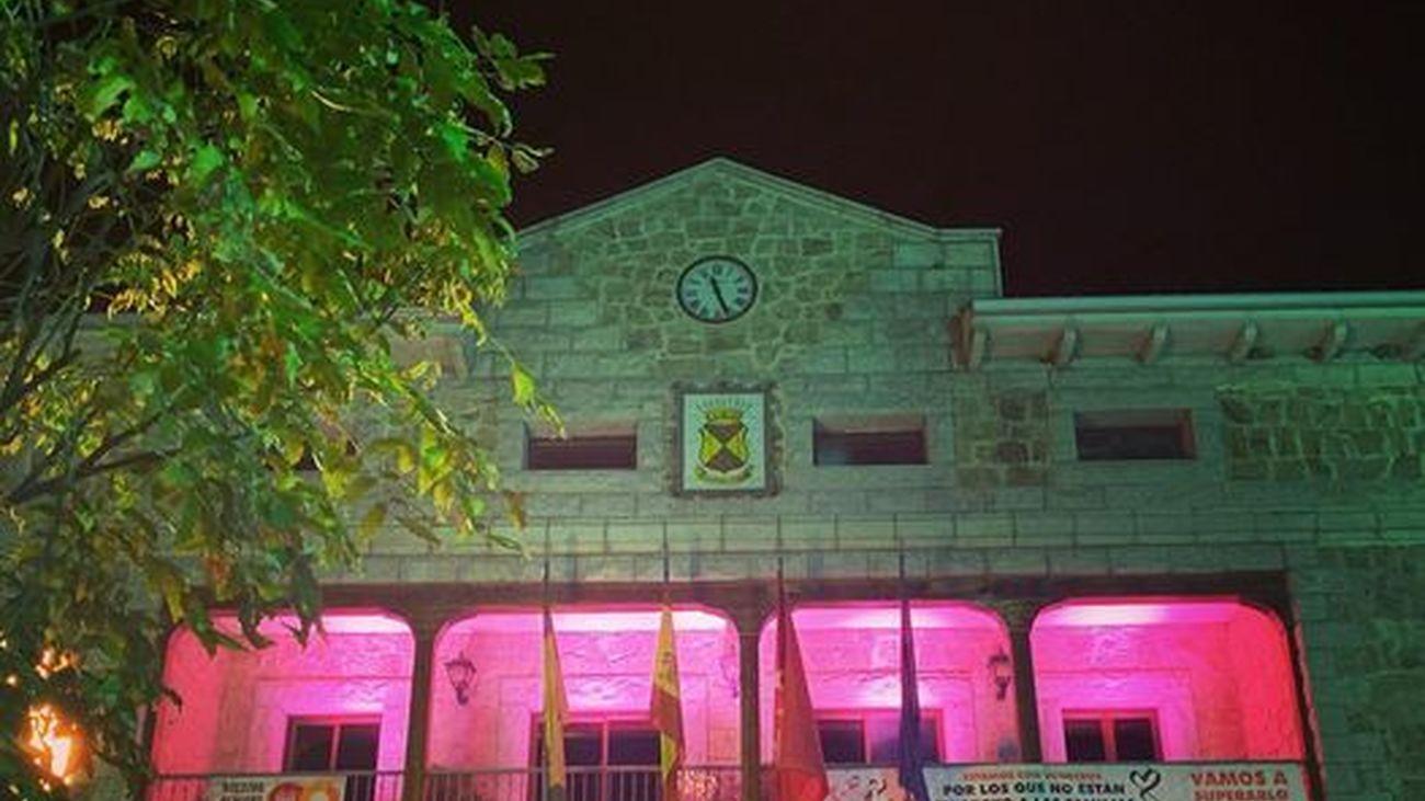 Fachada del Ayuntamiento de Manzanares el Real