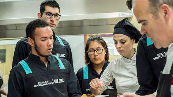La Fundación Mahou San Miguel refuerza su programa de formación en hostelería para jóvenes