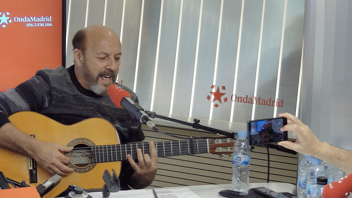 Javier Ruibal celebra su 13º disco con un libro-disco titulado 'Ruibal'