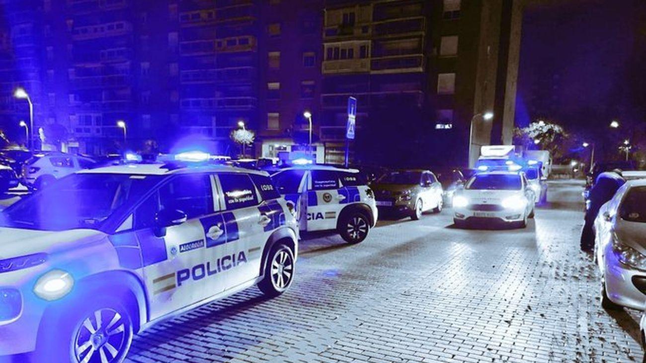 Varios coches policiales