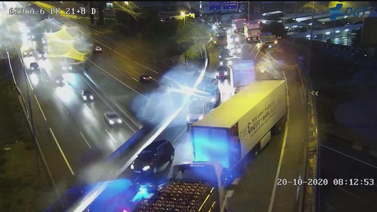 Varios accidentes por la lluvia cortan la A-1 y la M-50 y congestionan el tráfico de entrada a Madrid