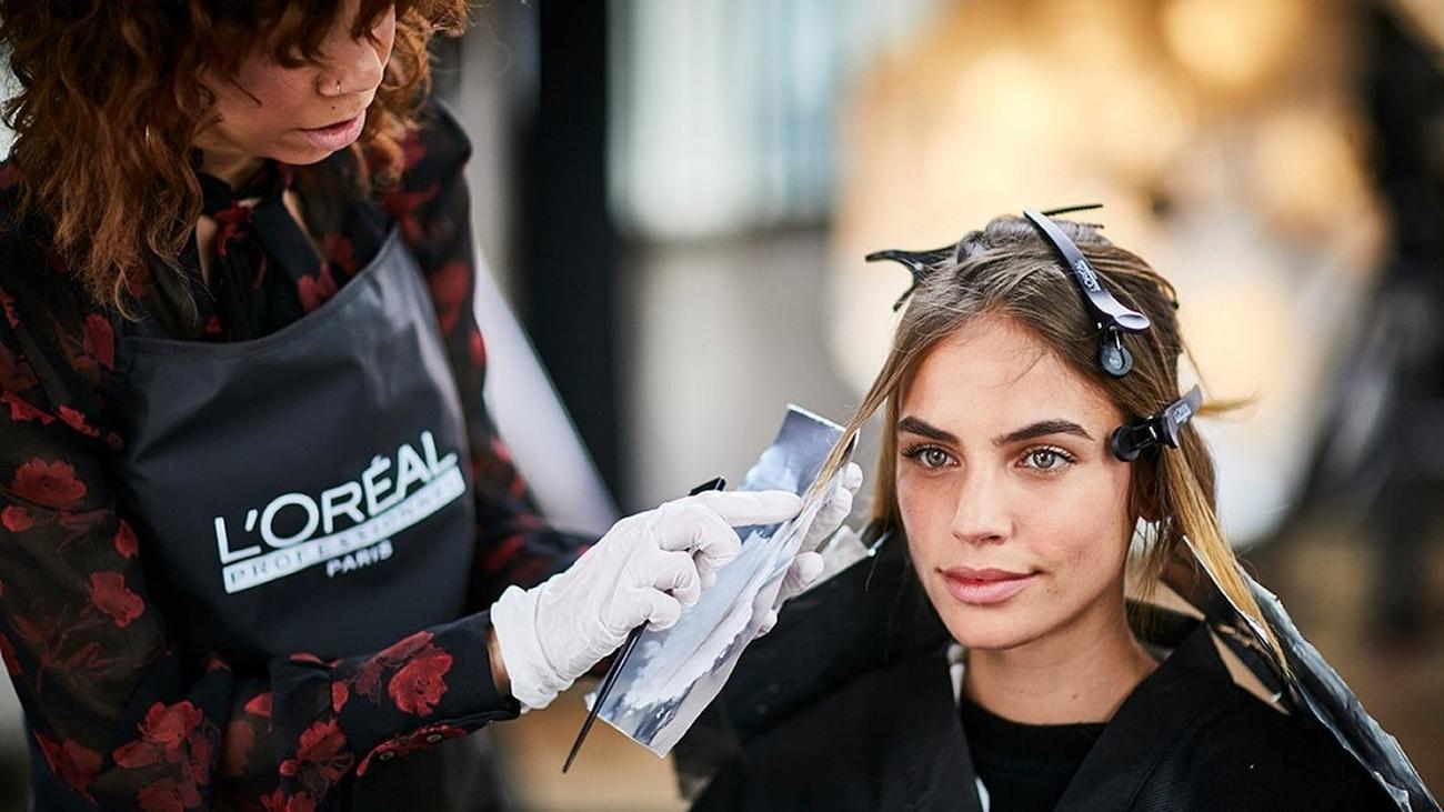 Unas 7.500 peluquerías de Madrid, convocadas a la huelga para pedir un IVA  reducido