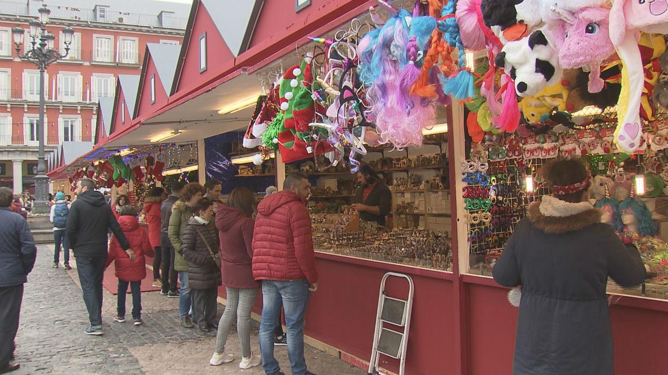 Mercadillo de Navidad en la Plaza Mayor de Madrid