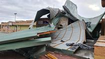 El temporal de viento deja múltiples destrozos en edificios de Madrid