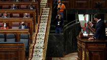 Duro duelo en el Congreso entre Casado y Abascal