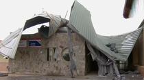 La borrasca Bárbara arranca el techo de un colegio en Valdetorres del Jarama