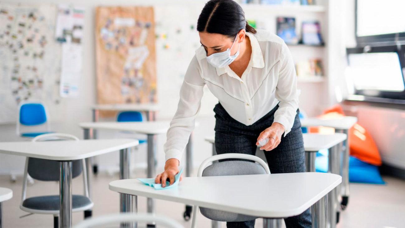 La Comunidad de Madrid adquiere más de 8.000 mamparas para centros educativos