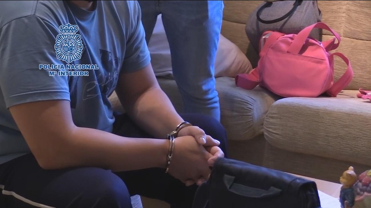 Detenidos 19 estafadores que vaciaban cuentas corrientes accediendo a móviles