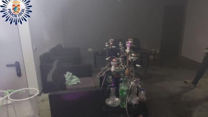 Desalojado un local en Pinto con más de 25 personas sin mascarilla, fumando y bailando