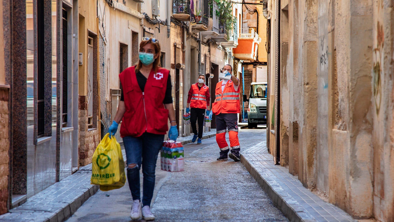 Cruz Roja Española distribuirá en los próximos dos meses 17,5 millones de kilos de alimentos a personas vulnerables