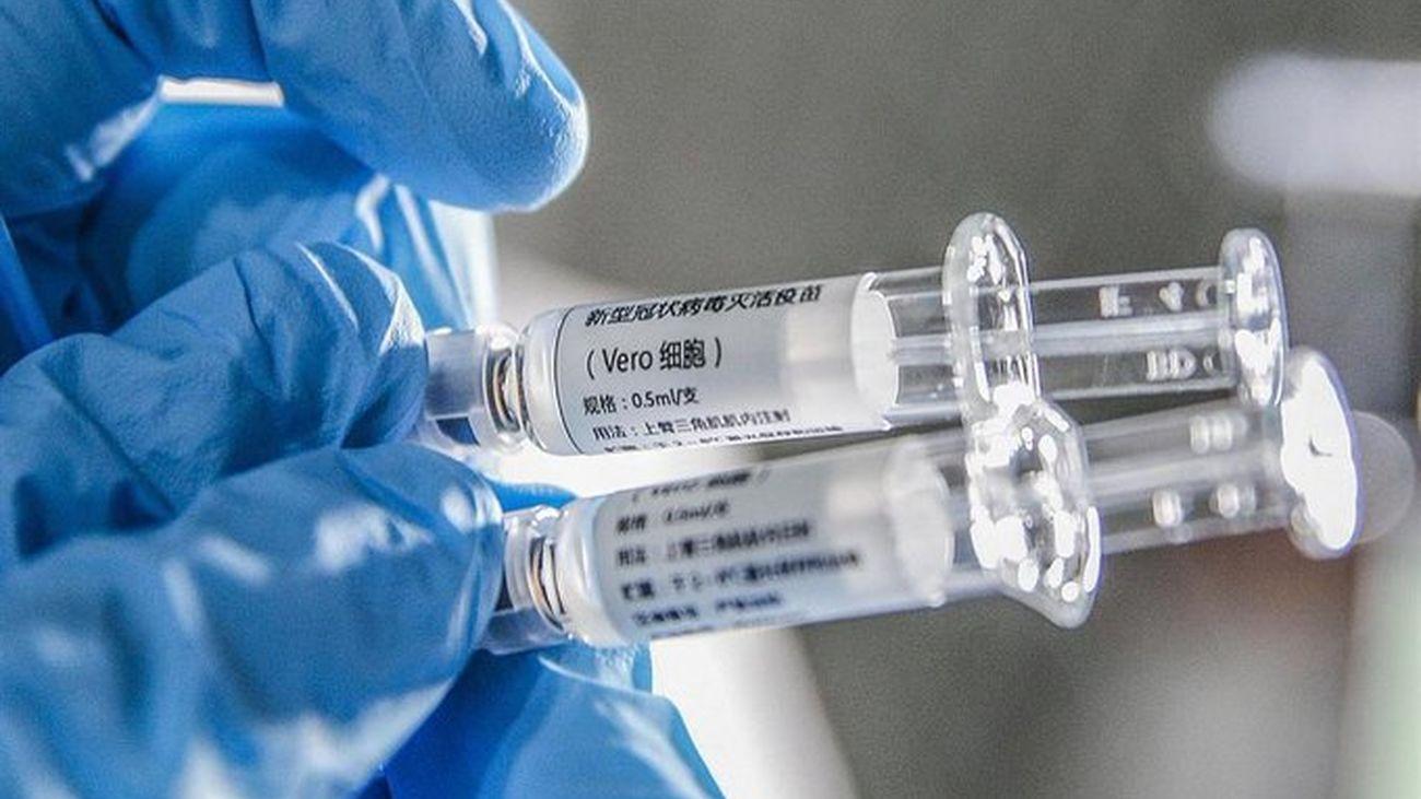 La vacuna de Oxford contra la covid genera respuesta inmune en ancianos