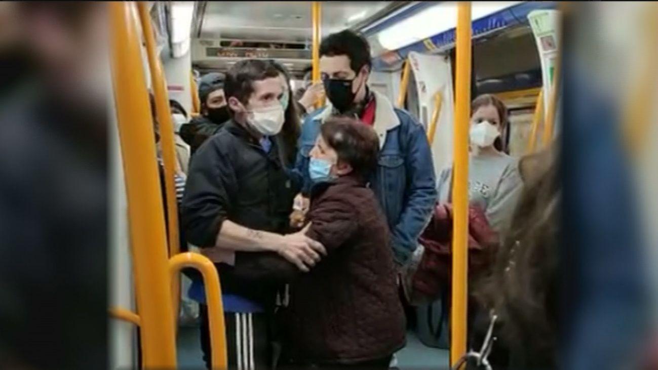 Bronca en el Metro de Madrid a cuenta de las mascarillas