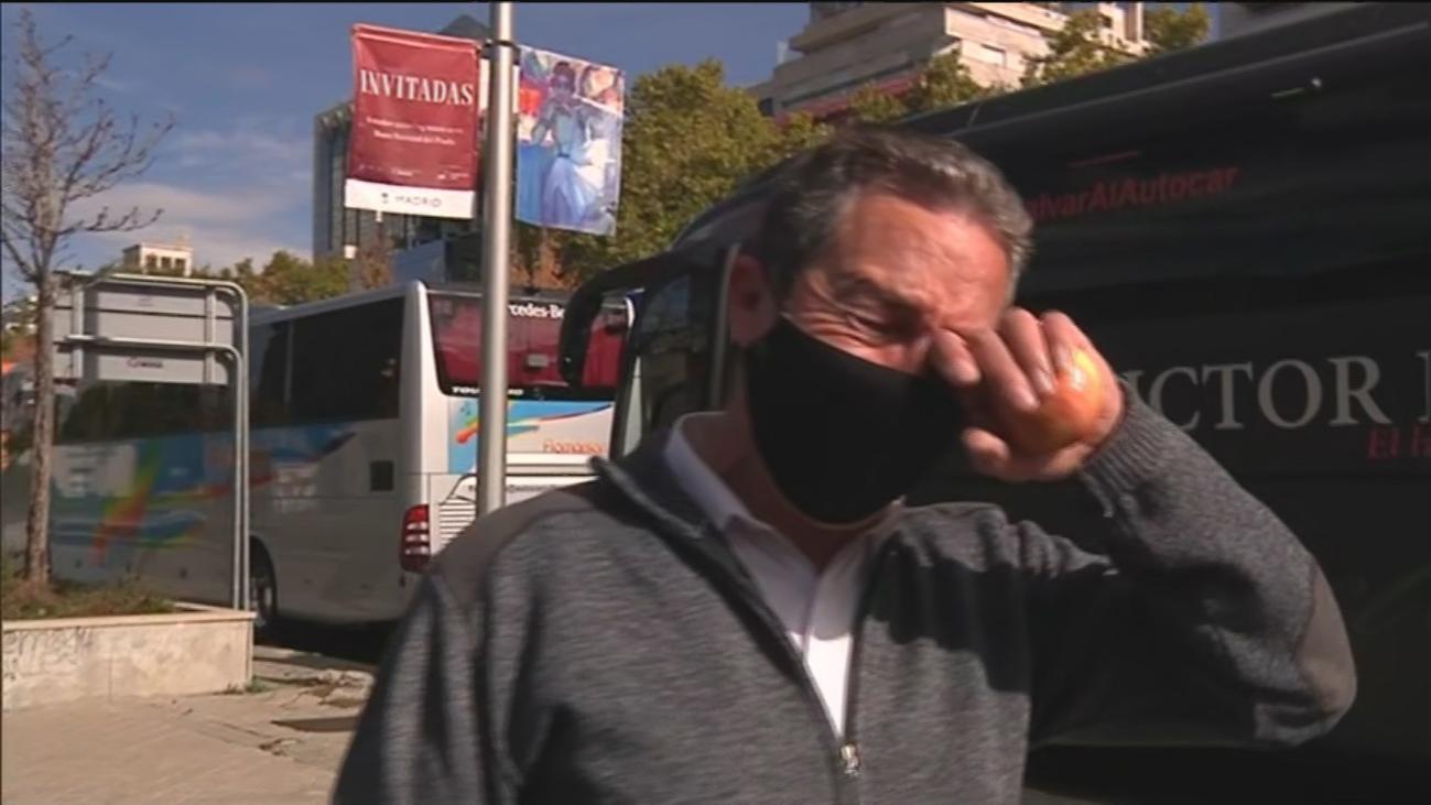 """Miles de conductores de autobús protestan en Madrid: """"Vamos a la ruina"""""""