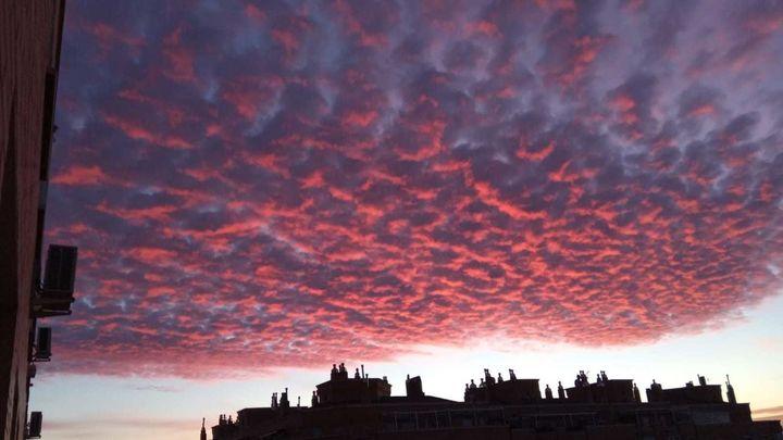 El espectacular amanecer de colores de este martes 27 de octubre en Madrid