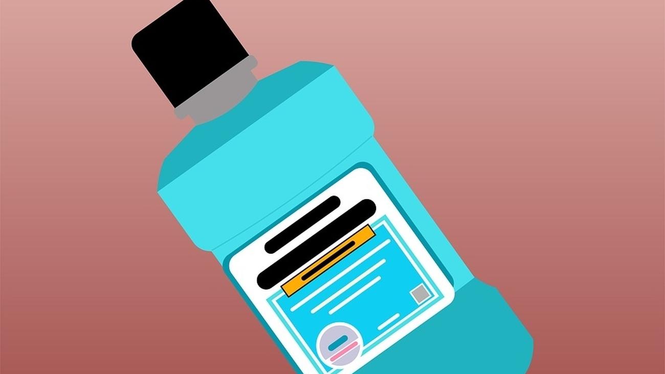 Los expertos aseguran que los enjuagues bucales pueden reducir el riesgo de contagio