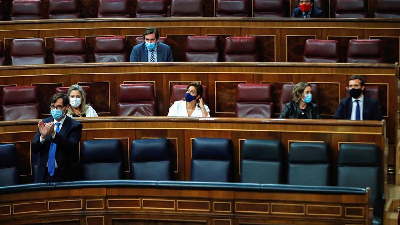 Salvador Illa alaba a los madrileños durante el debate de la prórroga del estado de alarma