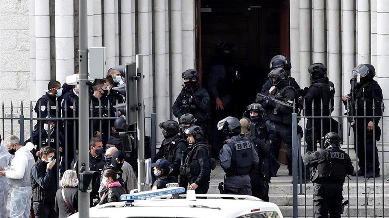 El terrorismo vuelve a atacar a Francia con tres muertos en una iglesia de Niza