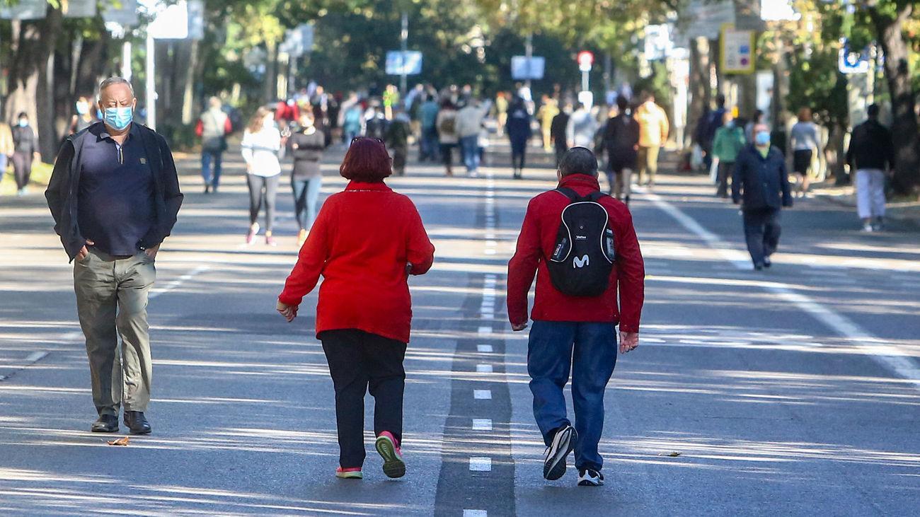 El Paseo del Prado libre de coches por los cortes decretados por el Ayuntamiento durante el estado de alarma