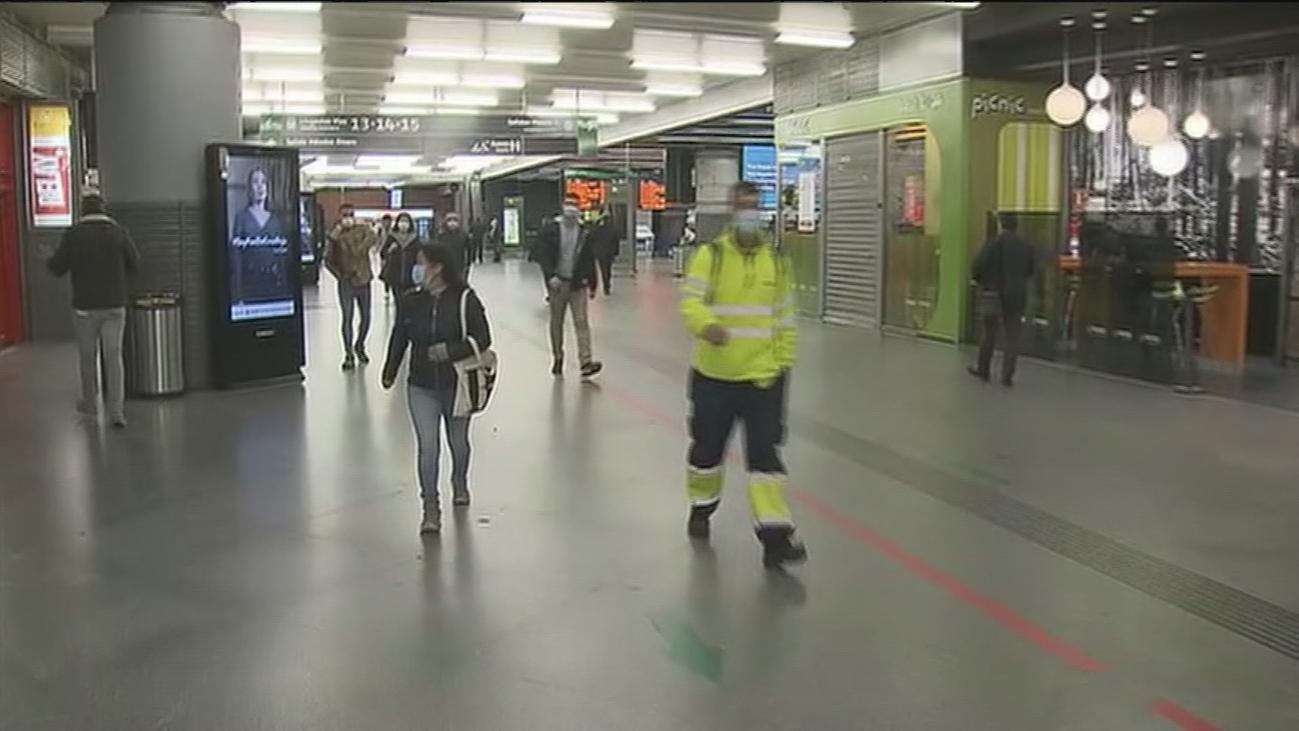 Escasa afluencia de viajeros en Atocha y más controles policiales