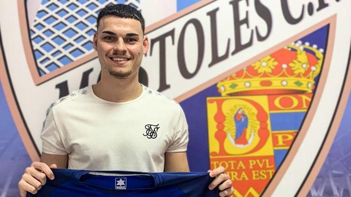 """David Flores, del Móstoles CF: """"Ante el Marchamalo se nos presenta una oportunidad"""""""