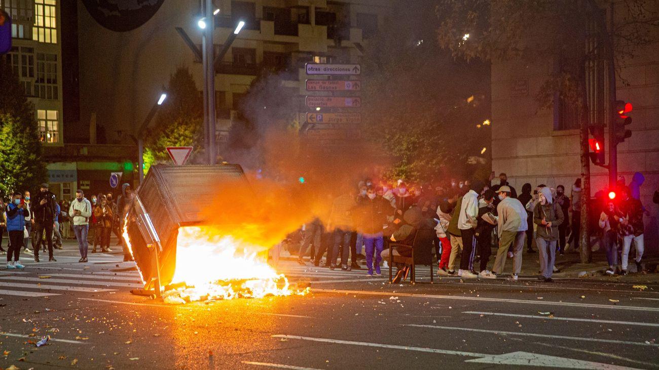 Siete policías heridos y seis detenciones en los disturbios en Logroño