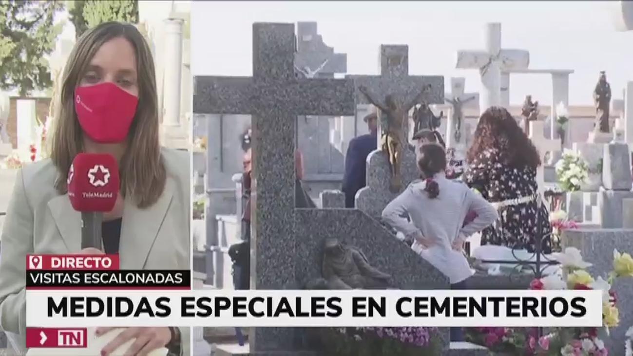 Día de Todos los Santos atípico en el cementerio de Humanes