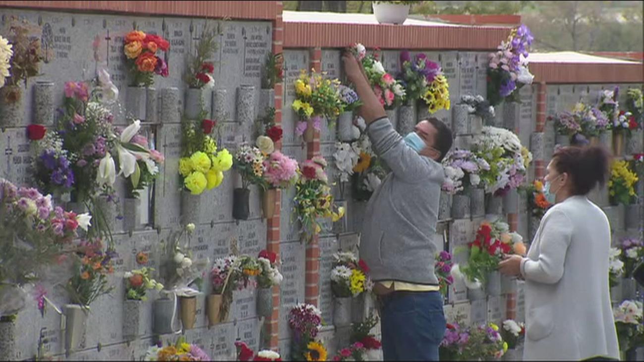 Los cementerios madrileños se quedan semivacíos también en el Día de Difuntos por la pandemia