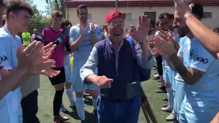 Fallece el 'Abuelo máquina', el seguidor número 1 de la EF Valdemoro