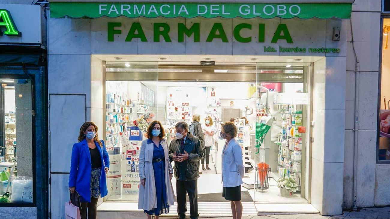 Ayuso insiste en la necesidad de hacer test en farmacias y lamenta que el Gobierno no les haya dado aún respuesta