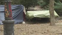 Denuncian trifulcas, suciedad e inseguridad en Las Salesas donde ha acampado un grupo de indigentes