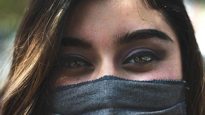 Varios estudios revelan una menor gravedad en pacientes de Covid que usaron mascarillas