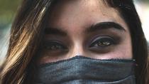 Llevar mascarilla nos hace más atractivos, según un estudio