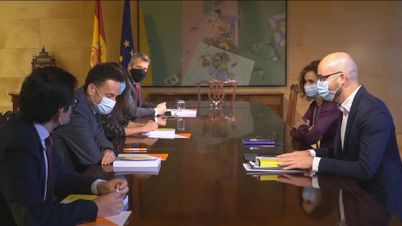 ERC y Ciudadanos mantienen tesis excluyentes respecto a sus apoyos a los Presupuestos