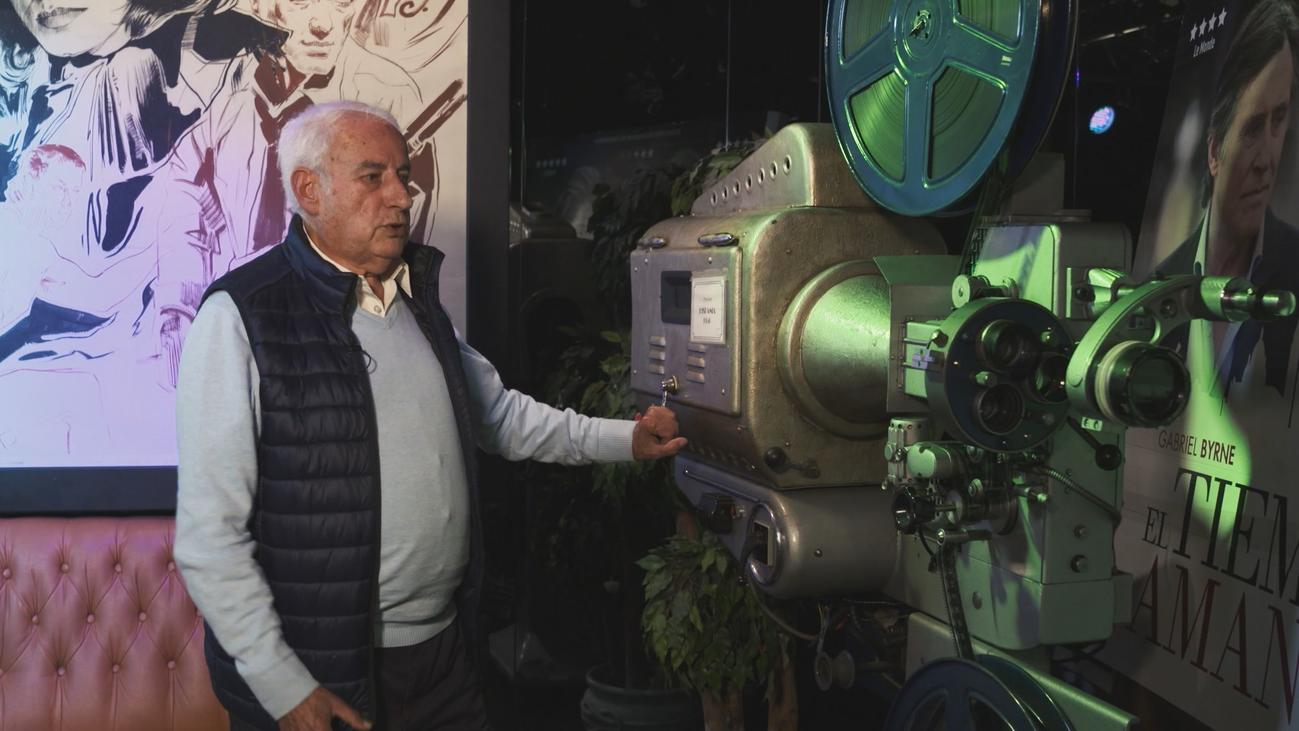 """""""Pequeño cine estudio"""", la sala en versión original más antigua de España"""