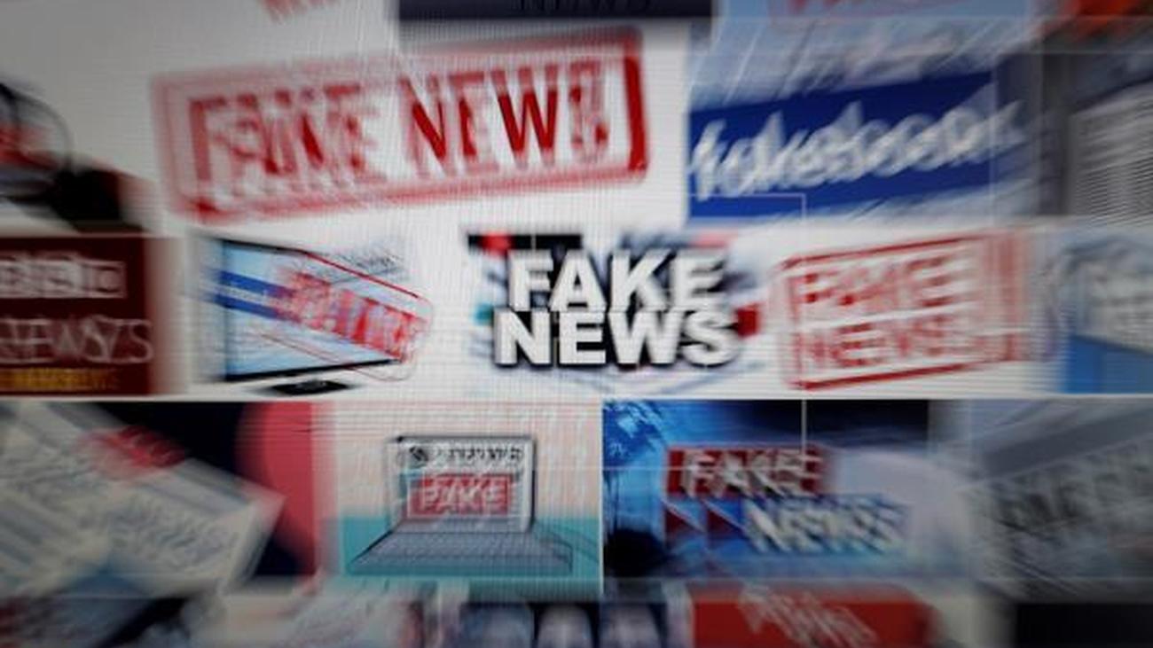 Bruselas estudia el polémico plan de España contra las 'fake news'