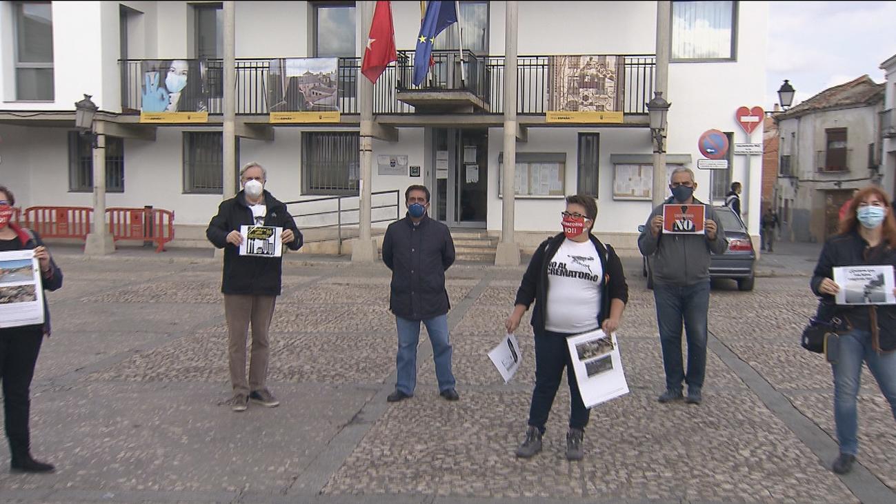 Protestan  contra la construcción de un crematorio junto al centro de Valdemoro