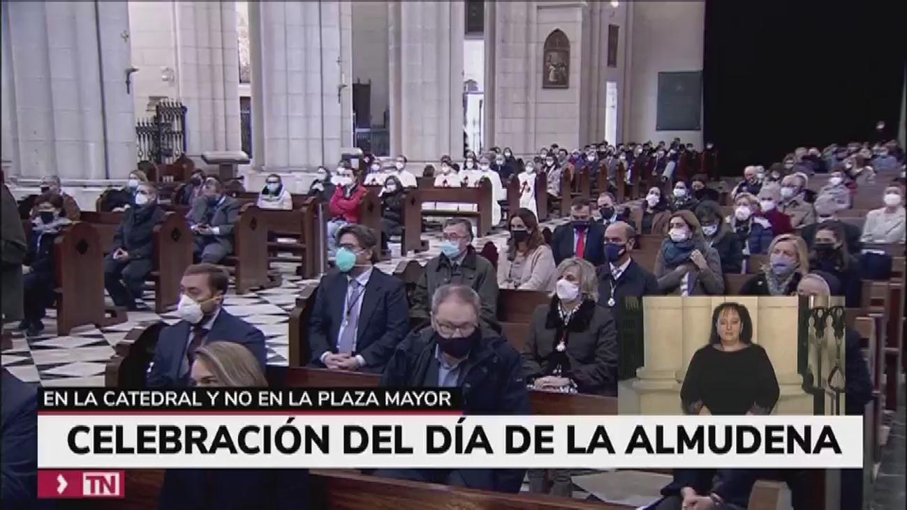 """""""Salud para los madrileños"""" y el """"fin de la pandemia"""", las peticiones de los representantes políticos a la Virgen de la Almudena"""
