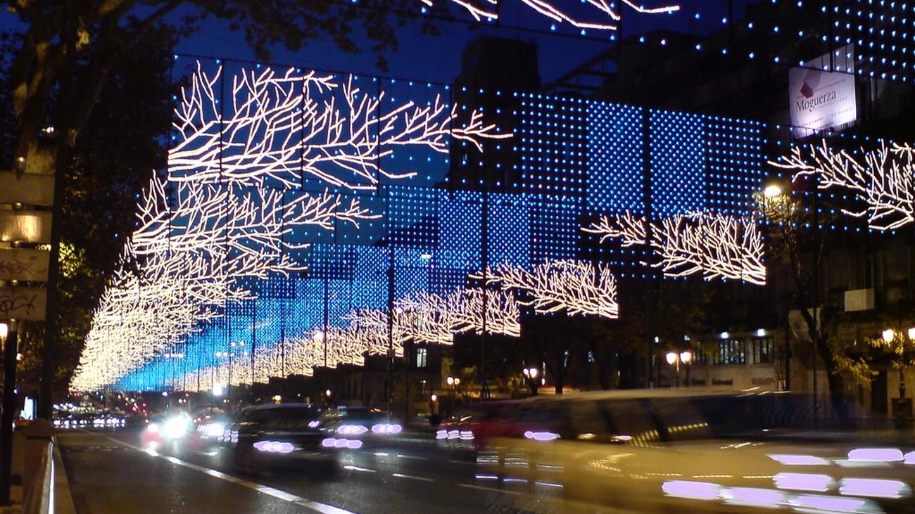 Alumbrado navideño en las calles de Madrid