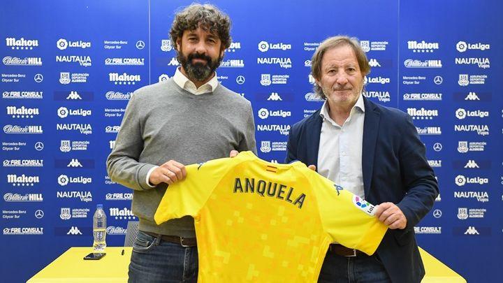 Anquela renueva una temporada con el Alcorcón