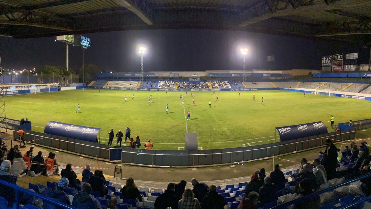 0-0 (4-5). El Móstoles CF dice adiós al sueño de la Copa tras caer en los penaltis con el Marchamalo