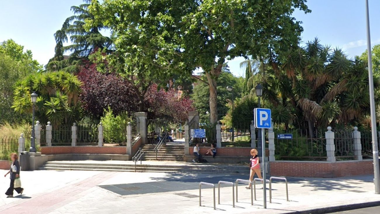 Los jardines de Enrique Herreros, en Vallehermoso, estrenan zonas verdes y caninas