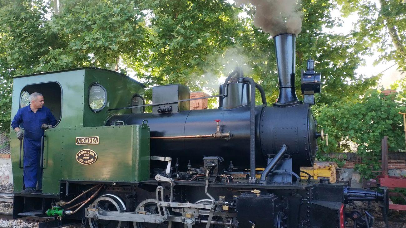 Locomotora 'Arganda' restaurada por la asociación 'Vapor Madrid'