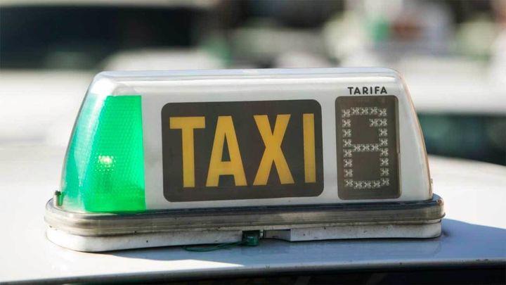 Un servicio de taxi a demanda en la Sierra Norte empezará a funcionar antes de final de año