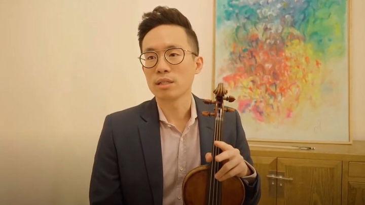 """""""Me llamo Aaron, soy violinista y soy homosexual"""", la historia de superación de un madrileño"""