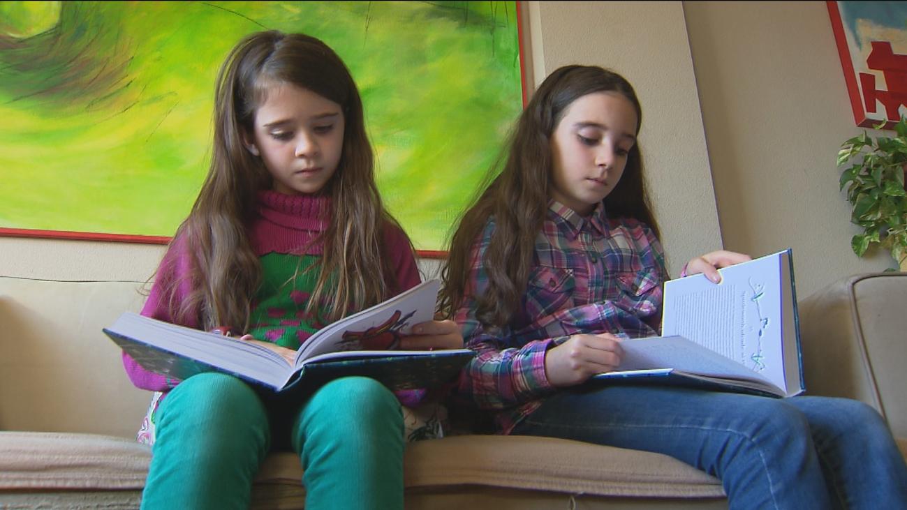 Dos niñas de Rivas cuelan sus dibujos en 'El Ickabog', el cuento de hadas de J.K. Rowling
