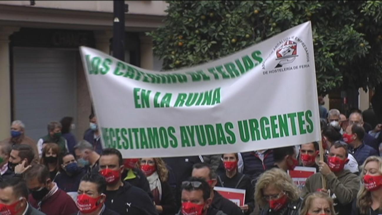 La hostelería andaluza sale a la calle para reclamar ayudas tras las restricciones por la pandemia